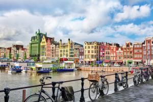 Amsterdam scherpt woonregels aan