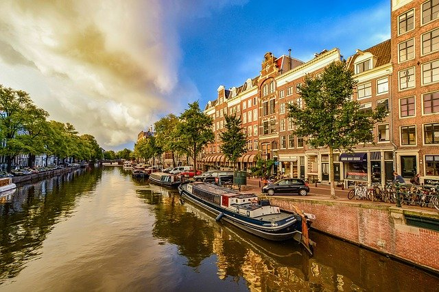 Purchase broker Amsterdam